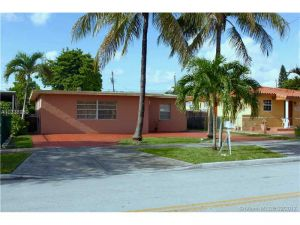 751 E 45th St. Hialeah, Florida - Hometaurus