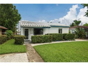 1508 NE 2nd Ave. Fort Lauderdale, Florida - Hometaurus