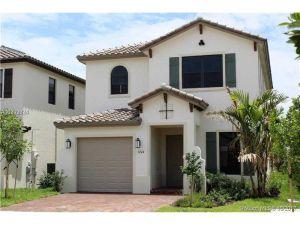 3244 W 98 Pl. Hialeah, Florida - Hometaurus