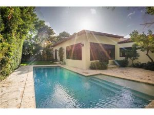 4363 Nautilus Dr. Miami Beach, Florida - Hometaurus