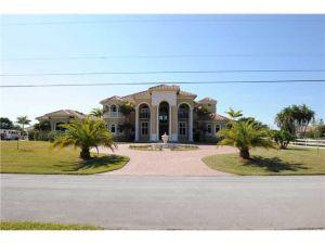 17520 SW 52nd Ct. Southwest Ranches, Florida - Hometaurus
