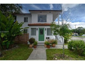 8780 NE 2nd Ave. El Portal, Florida - Hometaurus