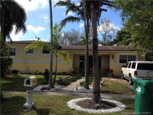 810 NW 186th Dr. Miami Gardens, Florida - Hometaurus