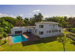 9632 NE 5th Avenue Rd. Miami Shores, Florida - Hometaurus