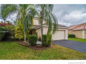 4074 Palm Pl. Weston, Florida - Hometaurus