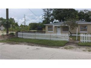 156 W 16th St. Riviera Beach, Florida - Hometaurus