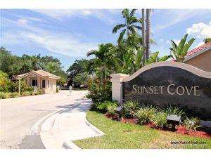10043 NW 5th St. Plantation, Florida - Hometaurus