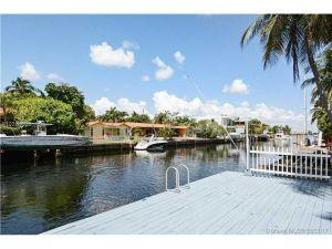 16418 NE 31 Av. North Miami Beach, Florida - Hometaurus
