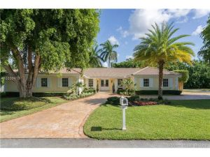 8305 SW 171st St. Palmetto Bay, Florida - Hometaurus