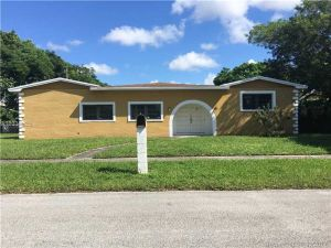 1511 NW 179th Ter. Miami Gardens, Florida - Hometaurus