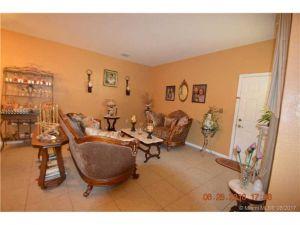 13112 SW 44 St. Miramar, Florida - Hometaurus