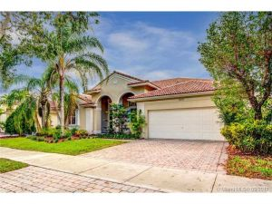 3636 Heron Ridge Lane. Weston, Florida - Hometaurus