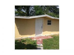 4213 SW 49th St. Dania Beach, Florida - Hometaurus