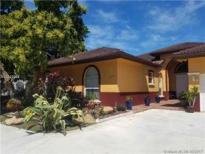 15433 SW 276th St. Homestead, Florida - Hometaurus