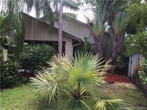 2119 NE 1st Way. Wilton Manors, Florida - Hometaurus