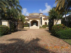 310 S Parkway. Golden Beach, Florida - Hometaurus