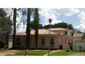 449 Minola Dr. Miami Springs, Florida - Hometaurus