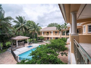 8510 SW 53th Avenue. Miami, Florida - Hometaurus