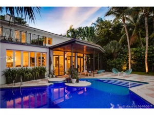 6165 Pine Tree Dr. Miami Beach, Florida - Hometaurus
