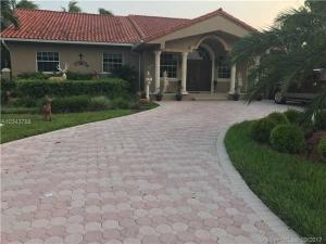 780 Nightingale Ave. Miami Springs, Florida - Hometaurus