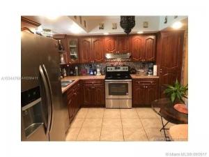 11221 NW 23rd St. Pembroke Pines, Florida - Hometaurus