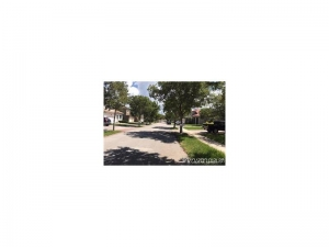 2178 SE 20th Ave. Homestead, Florida - Hometaurus