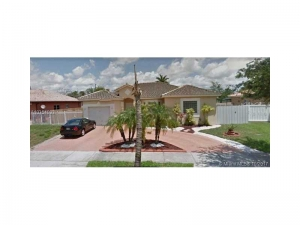 17755 NW 87th Ct. Hialeah, Florida - Hometaurus