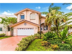 242 Palm Ave. Miami Beach, Florida - Hometaurus