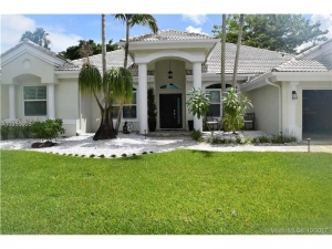 2715 Fairways Dr. Homestead, Florida - Hometaurus