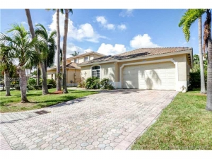 9117 SW 161st Ter. Palmetto Bay, Florida - Hometaurus
