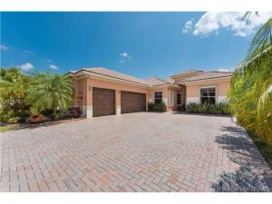 12074 NW 76th Pl. Parkland, Florida - Hometaurus