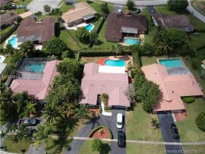 12151 NW 24th St. Coral Springs, Florida - Hometaurus