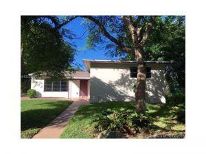 1120 SW 47th Ave. Plantation, Florida - Hometaurus