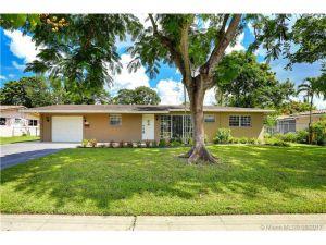 5385 Pine Ter. Plantation, Florida - Hometaurus