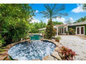 6210 San Vicente Street. Coral Gables, Florida - Hometaurus