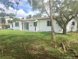 17521 SW 93rd Ave. Palmetto Bay, Florida - Hometaurus
