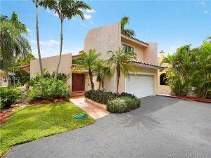 1252 Alhambra Cir. Coral Gables, Florida - Hometaurus