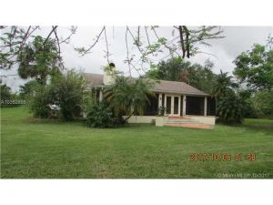 37255 SW 214 Ave. Homestead, Florida - Hometaurus