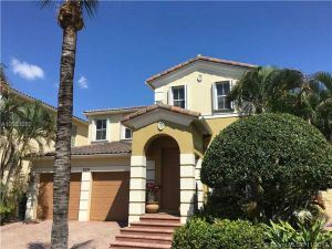 3237 NE 212th St. Aventura, Florida - Hometaurus