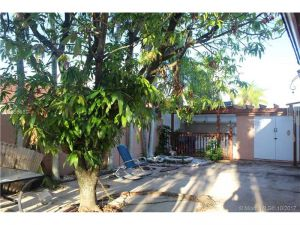 14275 SW 183 St. Miami, Florida - Hometaurus