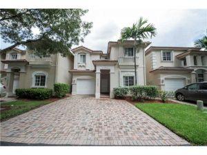 11205 NW 73rd St. Doral, Florida - Hometaurus