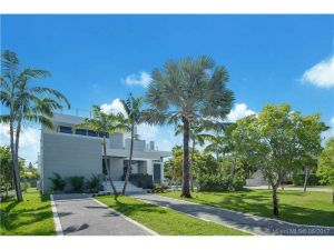 515 Harbor Dr. Key Biscayne, Florida - Hometaurus