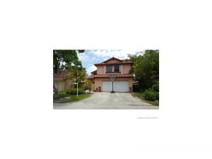 17329 NW 63 Ave. Miami Lakes, Florida - Hometaurus