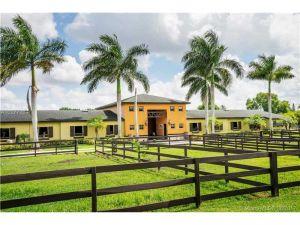 17450 SW 51st St. Southwest Ranches, Florida - Hometaurus