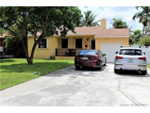 25 Corydon Dr. Miami Springs, Florida - Hometaurus