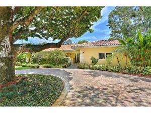 420 NE 95th St. Miami Shores, Florida - Hometaurus