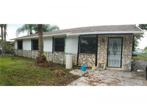 836 NW 8th St. Florida City, Florida - Hometaurus