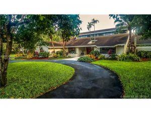 8955 SW 118th St. Miami, Florida - Hometaurus