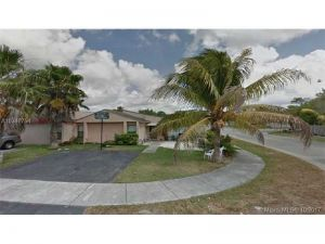 11921 SW 208th Ter. Miami, Florida - Hometaurus