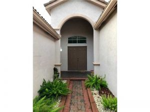 1032 Lavender Circle. Weston, Florida - Hometaurus